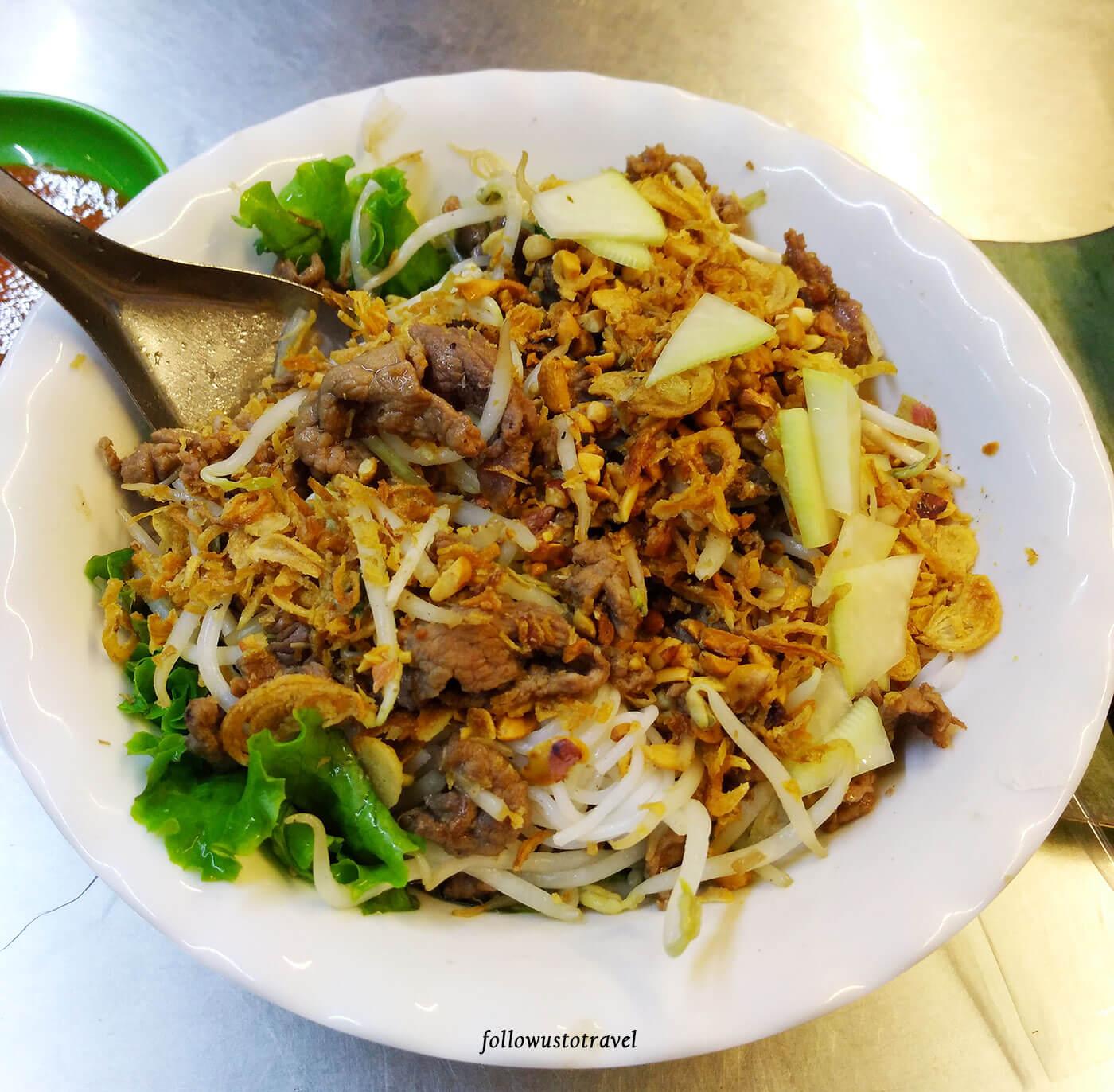 越南美食牛肉米线沙拉