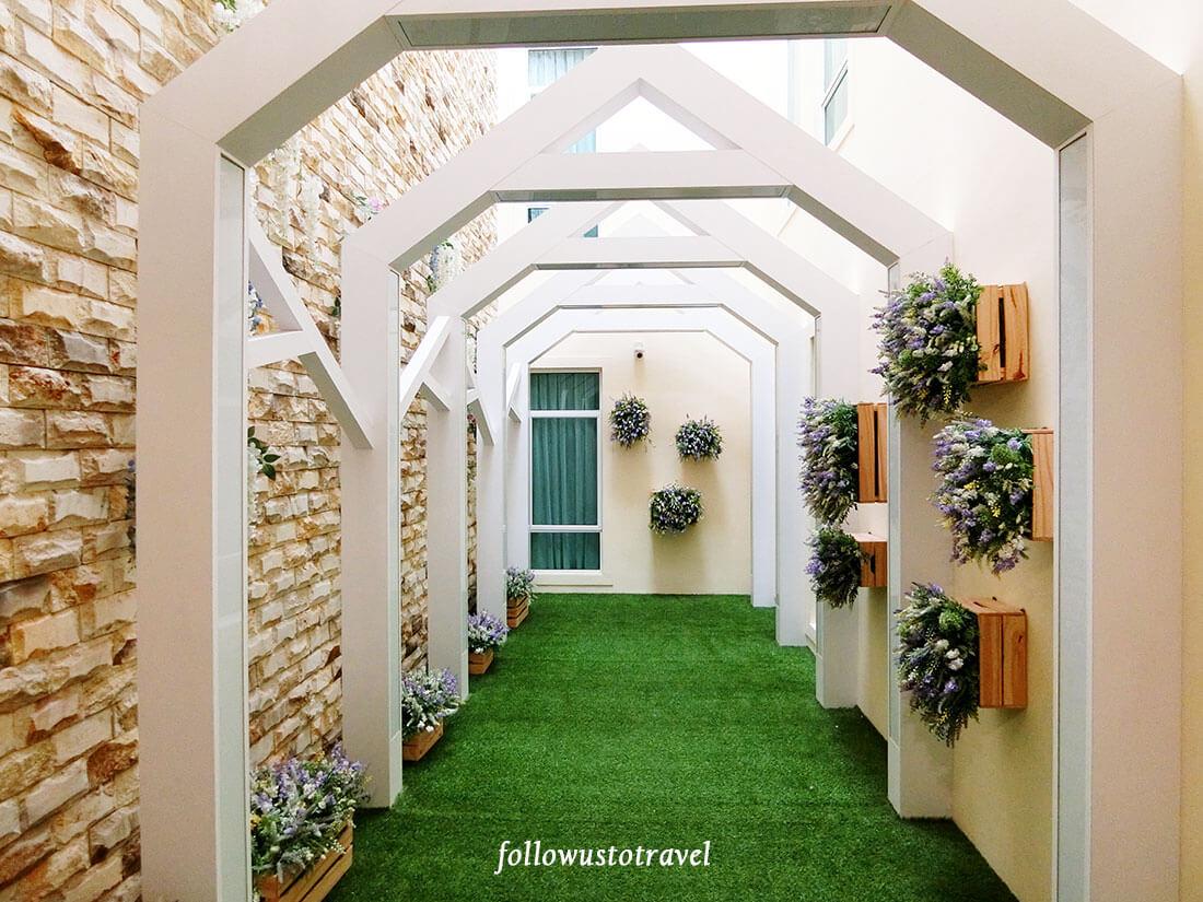 Natura Hotel 小花园
